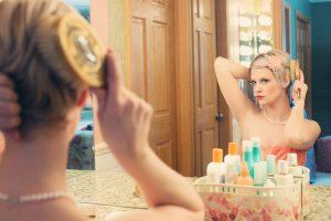 female-make-mirror