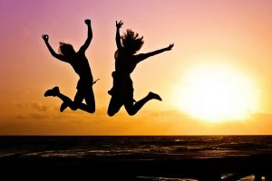 sunset-jumping-girls