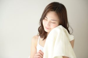 female-face-towel