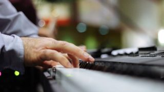 ピアノのための指筋トレってあるの?指を鍛えて独立させるトレーニングとともに解説