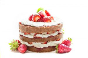strawberry-chocolate-cream-cake