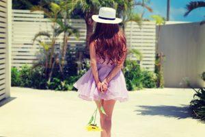 sunflower-girl-back