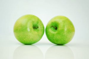 two-greenapples