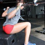 ボックススクワットの効果!椅子の補助は初心者や高重量を上げたい方におすすめ!