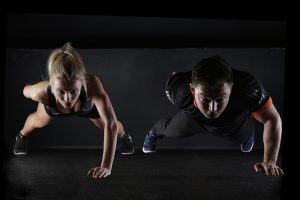 push-up-two-people